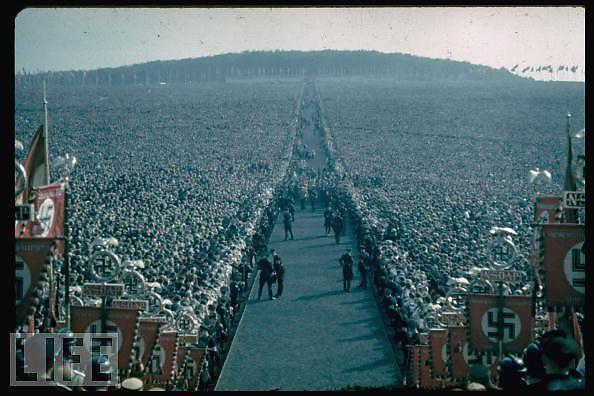 Hitler-en-couleurs_1_defaultbody