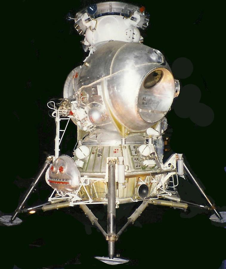 Apollo-18_12_defaultbody